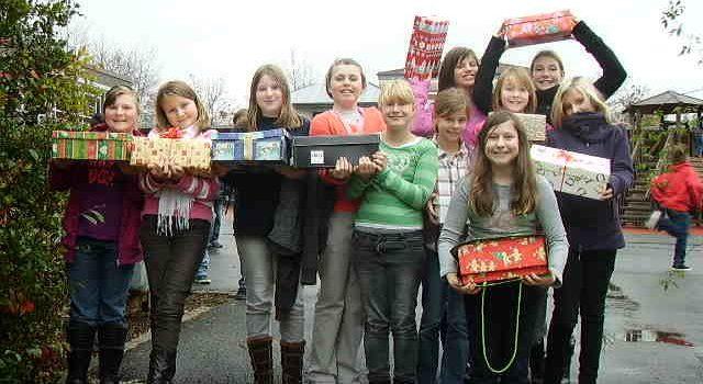 """Die Klasse 5c hat sich an der Aktion """"Weihnachten im Schuhkarton"""" beteiligt"""