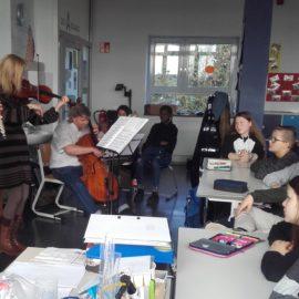 Klangwerkstatt des Theaters Hagen besucht Wilhelm-Kraft-Gesamtschule