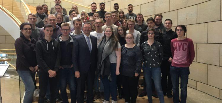 Landtagsbesuch der Leistungskurse Sozialwissenschaften