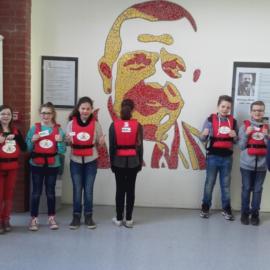 Vorbereitungen auf das Drachenbootrennen an der Wilhelm-Kraft-Gesamtschule